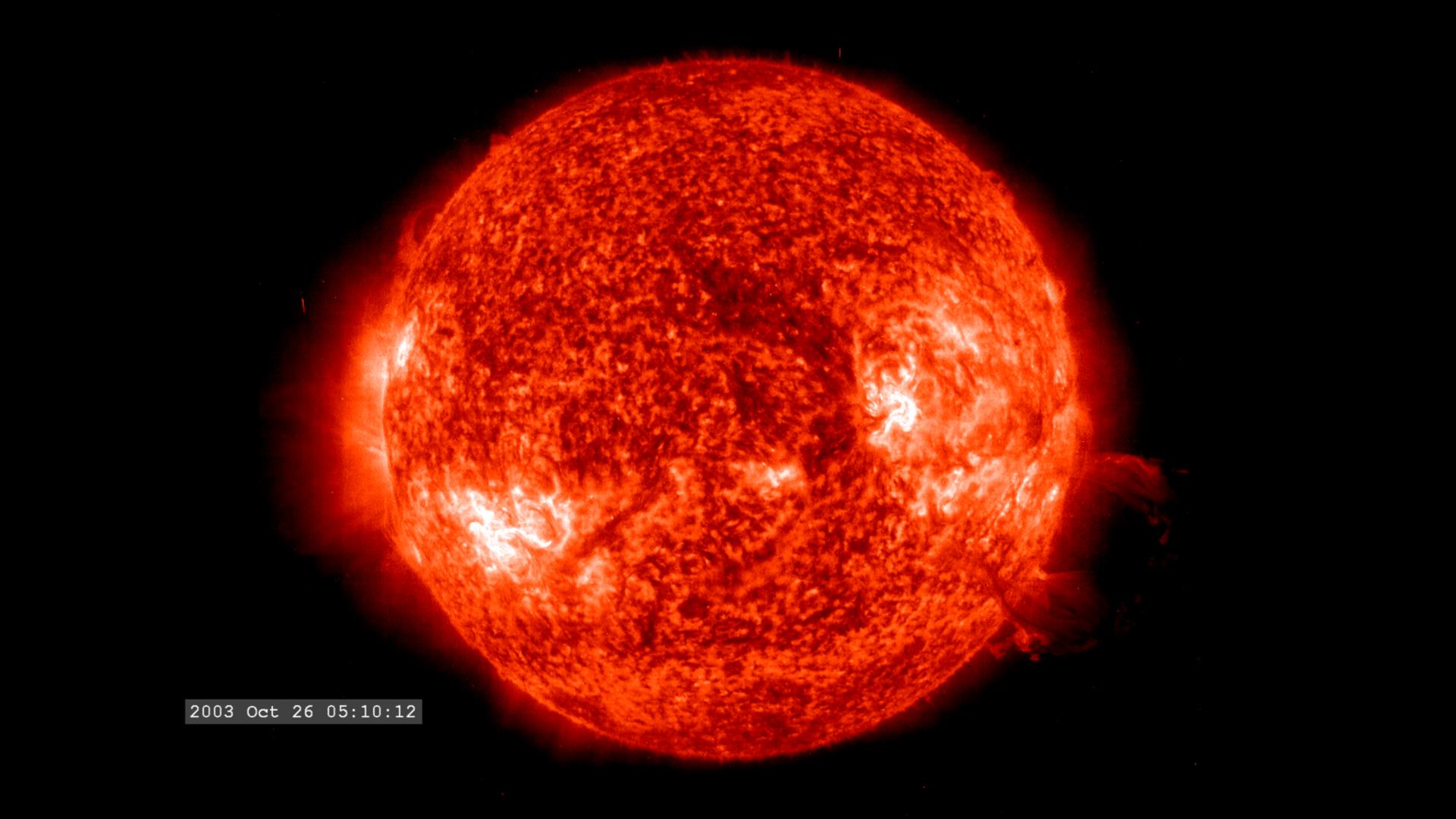 Stellar nebula, massive star, average star, comparesion o ...